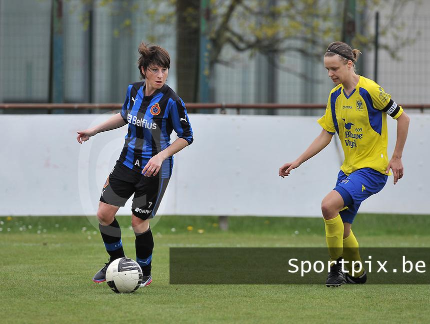 Club Brugge Dames - STVV Sint Truidense VV : Ingrid De Rycke aan de bal voor Lore Vanschoenwinkel.foto DAVID CATRY / Nikonpro.be