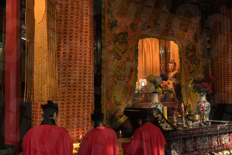 January 12, 2017 - Tayu village, Shaanxi (China). Taoist monks pray inside of the temple part of the Louguantai's complex. © Thomas Cristofoletti / Ruom for Sixthtone