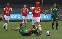 BOGOTA -COLOMBIA, 19-02-2017. Jessica Paola Sanchez (R)  player of Independiente Santa Fe fights the ball agaisnt Erika Contreras (L) Action game between  La Equidad and Independiente Santa Fe  during match for the date 1 of the Women´s  Aguila League I 2017 played at Nemesio Camacho El Campin stadium . Photo:VizzorImage / Felipe Caicedo  / Staff