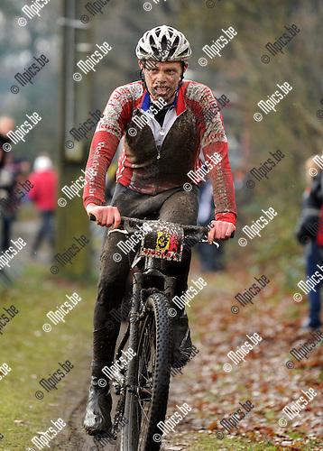 2011-12-18 / Winterduathlon / seizoen 2011-2012 / Winterduathlon Kasterlee / Tonny Goossens..Foto: Mpics.be