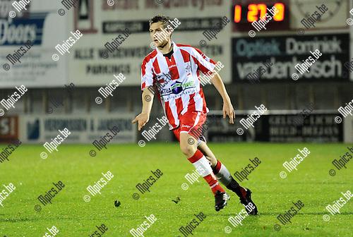 2010-11-06 / Seizoen 2010-2011 / Voetbal / Hoogstraten VV - SV Temse / Dirk Mathijssen..Foto: mpics