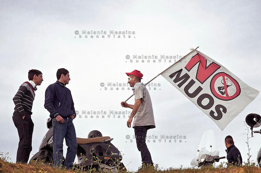 Niscemi: manifestazione contro l'installazione del MUOS.<br /> Niscemi:demonstration against the installation of MUOS