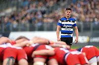 Freddie Burns of Bath Rugby watches a scrum. Aviva Premiership match, between Bath Rugby and Worcester Warriors on October 7, 2017 at the Recreation Ground in Bath, England. Photo by: Patrick Khachfe / Onside Images