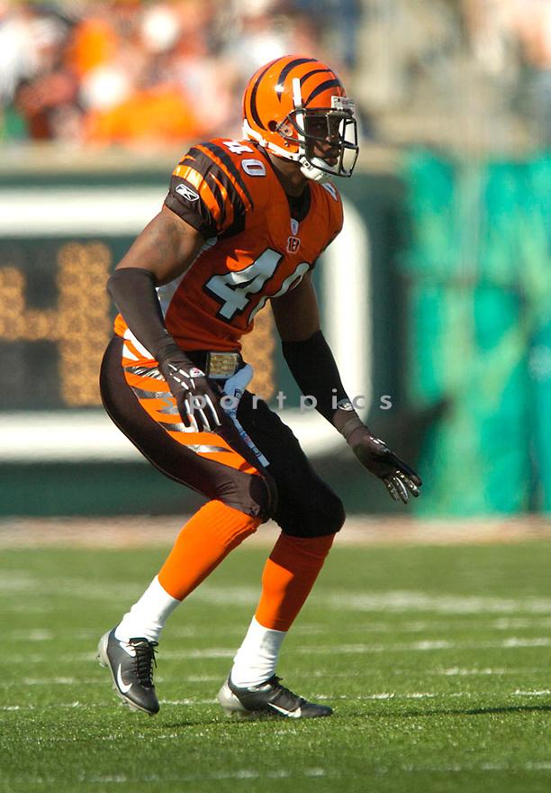 Madieu Williams during the Cincinnati Bengals v. Dallas Cowboys game on November 7, 2004...Bengals win 26-3..David Durochik / SportPics