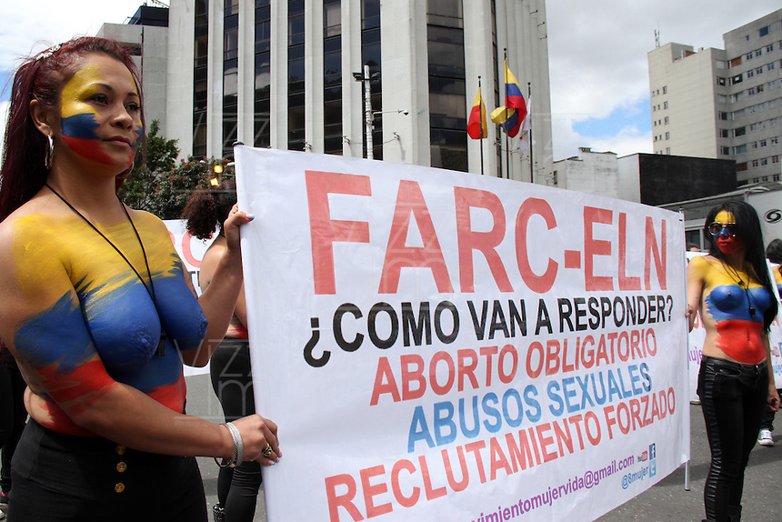 BOGOTA -COLOMBIA. 8-MARZO-2015. Dia de la mujer y participantes de la marcha por la vida ./ Women's Day and participants of the March for Life.. Photo: VizzorImage/ Felipe Caicedo / Staff