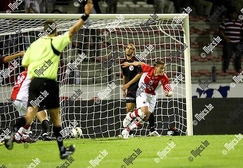 2009-08-29 / Voetbal / seizoen 2009-2010 / Antwerp FC - FC Brussels / Kevin Oris spurt weg na zijn eerste doelpunt voor Antwerp..Foto: Maarten Straetemans (SMB)