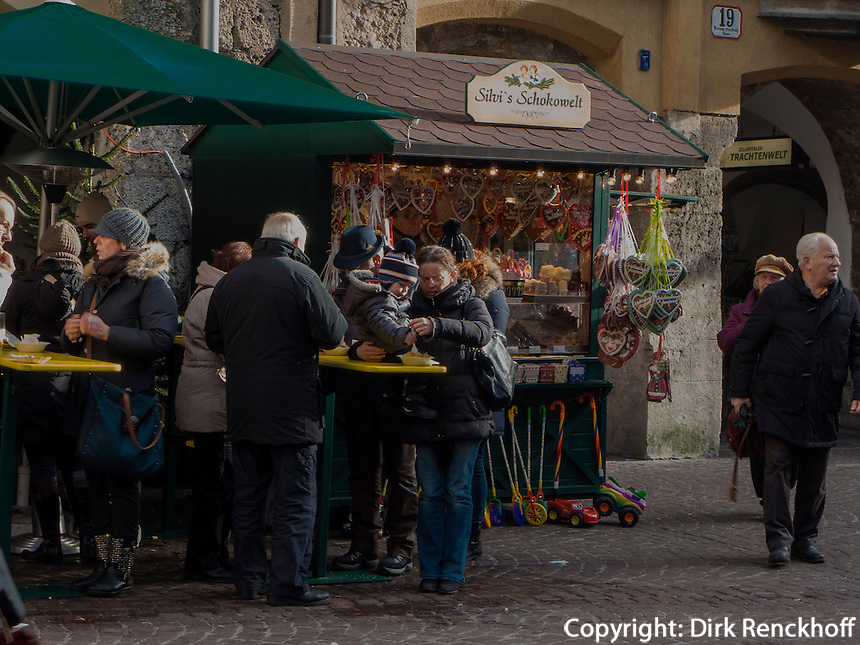 Weihnachtsmarkt auf der  Herzog-Friedrich-Straße, Innsbruck, Tirol, Österreich