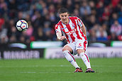 30th September, bet365 Stadium, Stoke-on-Trent, England; EPL Premier League football, Stoke City versus Southampton; Stoke City's Kevin Wimmer makes a cross