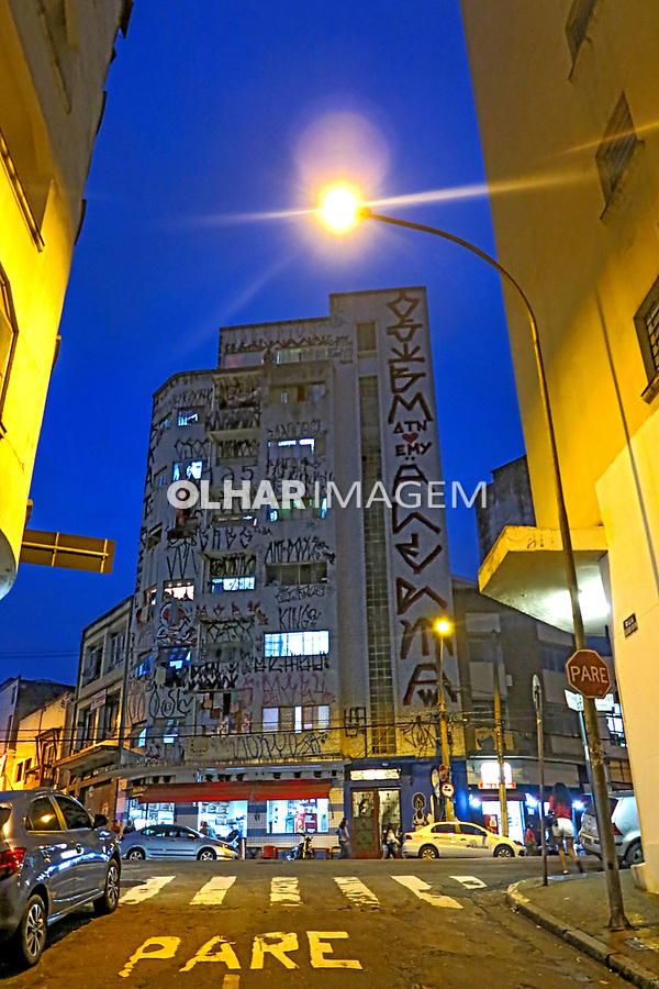 Predio de apartamentos no bairro Bela Vista ou Bexiga, Sao Paulo. 2017. Foto de Juca Martins.