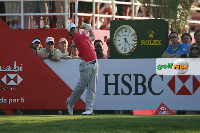 Rory McIlroy (NIR) in action on the 18th hole during Friday's Round 2 of the HSBC Golf Championship at the Abu Dhabi Golf Club, United Arab Emirates, 27th January 2012 (Photo Eoin Clarke/www.golffile.ie)