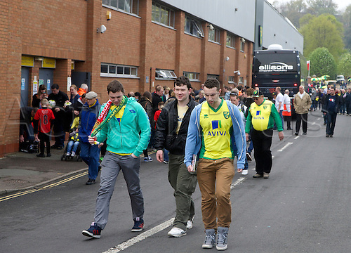 20.04.2014.  Norwich, England.  Fans outside the ground before the Barclays Premier League match between Norwich City and Liverpool from Carrow Road.