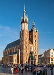 Kraków 2019-09-11. Kościół Mariacki na Rynku Głównym w Krakowie, Polska<br /> St. Mary's Church, Main Market Square in Cracow, Poland
