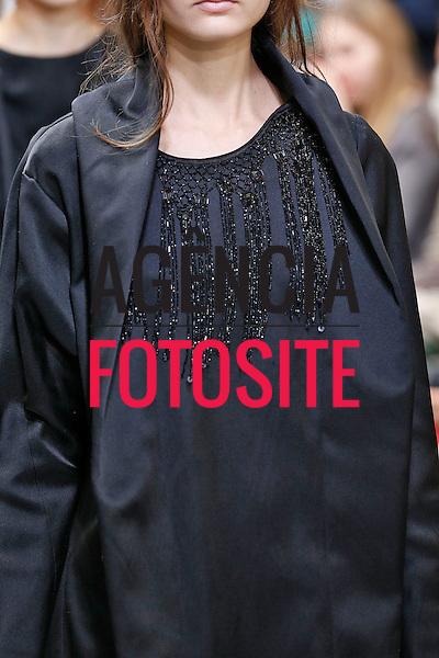 Paris, Franca &ndash; 02/2014 - Desfile de Moon Young Hee durante a Semana de moda de Paris - Inverno 2014. <br /> Foto: FOTOSITE