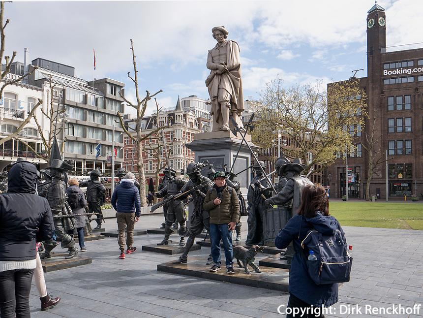 Rembrabdtsplein mit Rembrandt Denkmal, Amsterdam, Provinz Nordholland, Niederlande<br /> Rembrabdtsplein with Rembrandt monument, Amsterdam, Province North Holland, Netherlands