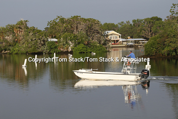 Pleasure boaing in CrystalRiver, Florida
