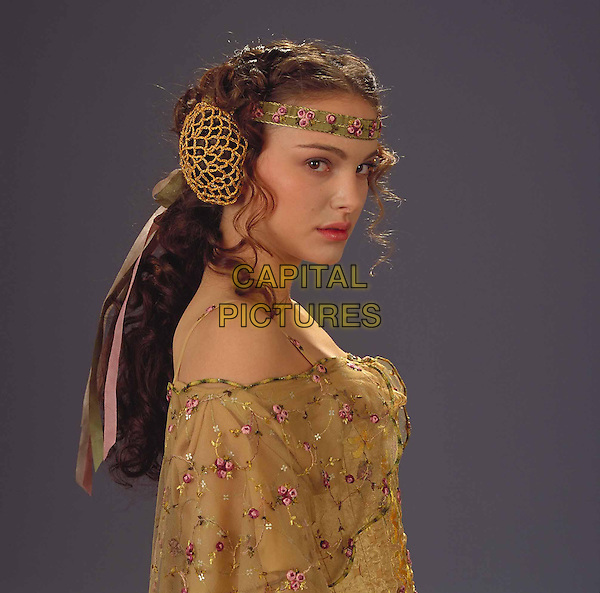 NATALIE PORTMAN.in Star Wars Episode 2 - Attack of the Clones.*Filmstill - Editorial Use Only*.Ref: FB.www.capitalpictures.com.sales@capitalpictures.com.Supplied by Capital Pictures