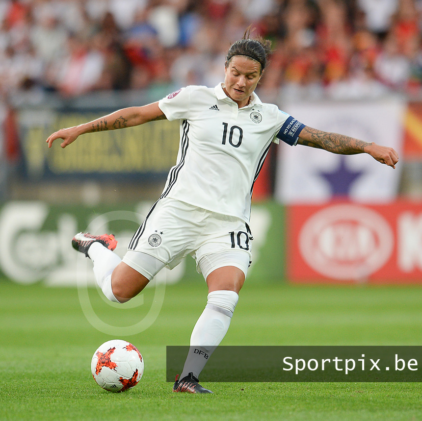 20170721 - TILBURG , NETHERLANDS : German Dzsenifer Marozsan  pictured during the female soccer game between Germany and Italy  , the second game in Group B at the Women's Euro 2017 , European Championship in The Netherlands 2017 , Friday 21th of july 2017 at Stadion Koning Willem II in Tilburg , The Netherlands PHOTO SPORTPIX.BE | DIRK VUYLSTEKE