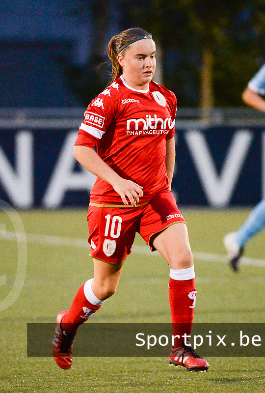 20160902 - OOSTAKKER , BELGIUM : Standard's Davinia Vanmechelen pictured during a soccer match between the women teams of AA Gent Ladies and Standard Femina de Liege  , during the second matchday in the 2016-2017 regular SUPERLEAGUE season, Friday 2 September 2016 . PHOTO SPORTPIX.BE | DIRK VUYLSTEKE