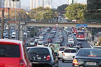 SAO PAULO, SP, 29-08-2012, TRANSITO. A Av. Alcantara Machado, mais conhecida como Radial Leste, tem transito pesado na direcao da Z. Leste na tarde de hoje (29). :Luiz Guarnieri/ Brazil Photo Press.