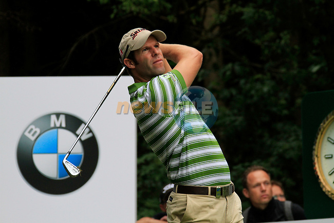 Bradley Dredge (WAL) tees off on the par3 17th hole during of Day 3 of the BMW International Open at Golf Club Munchen Eichenried, Germany, 25th June 2011 (Photo Eoin Clarke/www.golffile.ie)