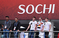 FUSSBALL FIFA Confed Cup 2017 Vorrunde in Sotchi 19.06.2017  Australien - Deutschland  Drei deutsche Fans (re) und zwei Sicherheitsleute im Fisht Stadion in Sotschi