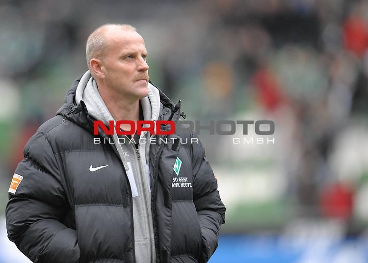 FBL 09/10  09. Spieltag Hinrunde / Weser Stadion<br /> Werder Bremen - 1899 Hoffenheim 2:0<br /> <br /> Thomas Schaaf ( Bremen GER - Trainer  COACH)<br /> <br /> Foto &copy; nph ( nordphoto )