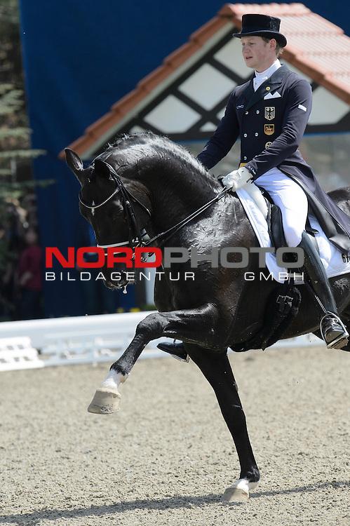 27.04.2012, Hof Kasselmann, Hagen a.T.W., FEI Grand Prix de Dressage Internationale Dressurpr&uuml;fung - CDI4* Qualifikation f&uuml;r Prfg. 6 Grand Prix K&uuml;r Teilwertung zur Sonderehrung Droege Group GER, Horses &amp; Dreams 2012 - Rule Britannia in Hagen a.T.W., im Bild<br /> Matthias Alexander Rath (GER / Frankf.Turnierst.Schw.Gelb e.V)  Totilas 13 <br /> H / KWPN / R / 2000 / Gribaldi  <br /> <br /> Foto &copy; nph / Kokenge *** Local Caption ***