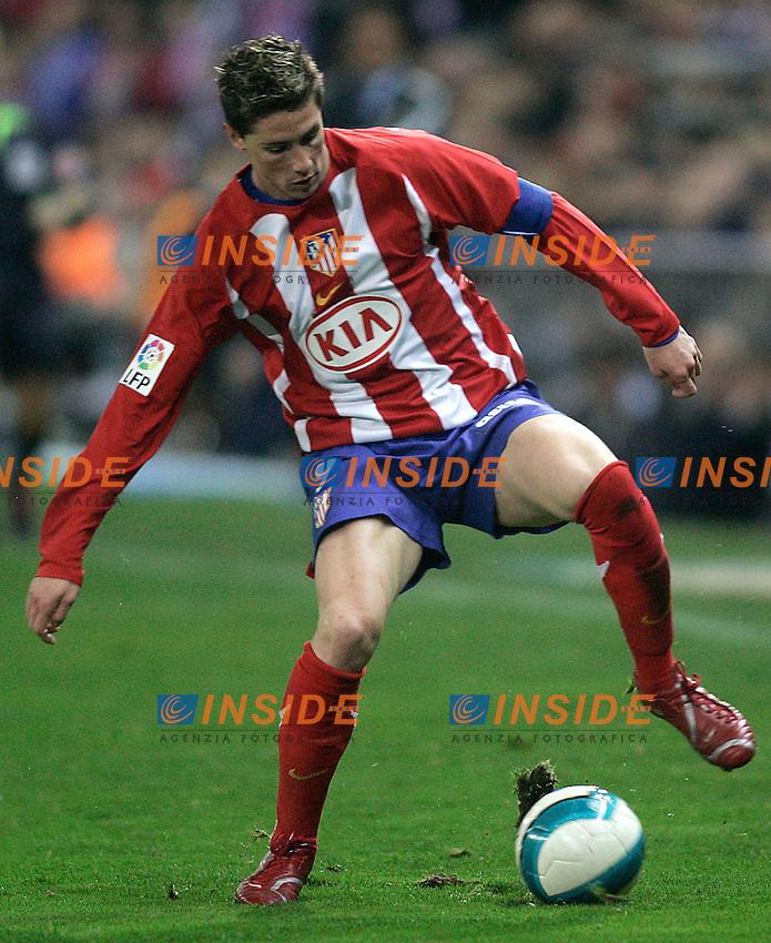 Atletico de Madrid's Fernando Torres during  the Spanish League match between Atletico de Madrid and Real Madrid at Vicente Calderon Stadium in Madrid, Saturday February 24 2007. (INSIDE/ALTERPHOTOS/B.echavarri).