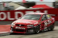 Hi-Tec Oils Racing's Dale Wood takes Holden Corner during qualifying for Race Two during Day Three of the Hamilton 400 Aussie V8 Supercars Round Two at Frankton, Hamilton, New Zealand on Sunday, 19 April 2009. Photo: Dave Lintott / lintottphoto.co.nz