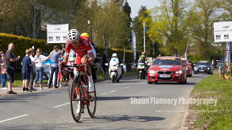 Picture by Shaun Flannery/SWpix.com - 06/05/2018 - Cycling - 2018 Tour de Yorkshire - Stage 4: Halifax - Leeds - Yorkshire, England<br /> <br /> Stephane Rossetto of Team COFIDIS wins his height in beer on the Black Sheep Straight in Masham.