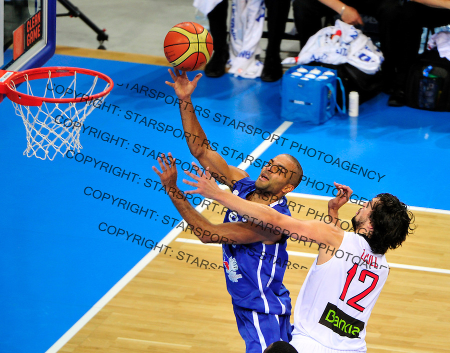French national basketball team player Tony Parker scores during final Eurobasket 2011 game between Spain and France in Kaunas, Lithuania, Sunday, September 18, 2011. (photo: Pedja Milosavljevic)