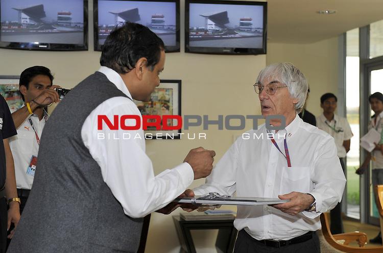 25.-28.10.2012, Jaypee-Circuit, Noida, IND, F1, Grosser Preis von Indien, Noida, im Bild Bernie Ecclestone (GBR) <br />  Foto &copy; nph / Mathis