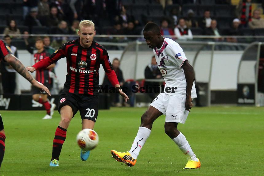 Jussie (Bordeaux) gegen Sebastia Rode (Eintracht) - 1. Spieltag der UEFA Europa League Eintracht Frankfurt vs. Girondins Bordeaux