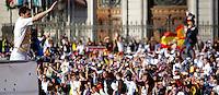 MADRID, ESPANHA, 04 MAIO DE 2012 - COMEMORACAO REAL MADRID - Iker Casillas jogador do Real Madrid, celebra o titulo da Liga Espanhola, na Praca Cibeles no centro de Madrid, ontem quinta-feira, 3. (FOTO: ARNEDO  ALCONADA / ALTER / ALFAQUI / BRAZIL PHOTO PRESS)