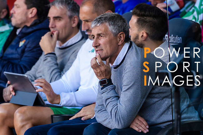 Coach Enrique Setien Solar, Quique Setien, of Real Betis  is seen prior to the La Liga 2018-19 match between FC Barcelona and Real Betis at Camp Nou, on November 11 2018 in Barcelona, Spain. Photo by Vicens Gimenez / Power Sport Images