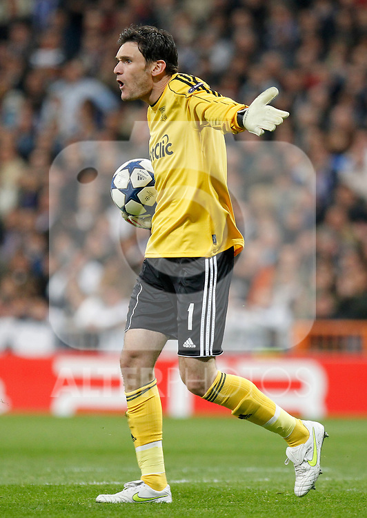 Madrid (16/03/2011).- Estadio Santiago Bernabeu..UEFA Champion League..Real Madrid 3 - Olympique Lyonnais 0.Hugo Lloris...©Alex Cid-Fuentes/ALFAQUI...