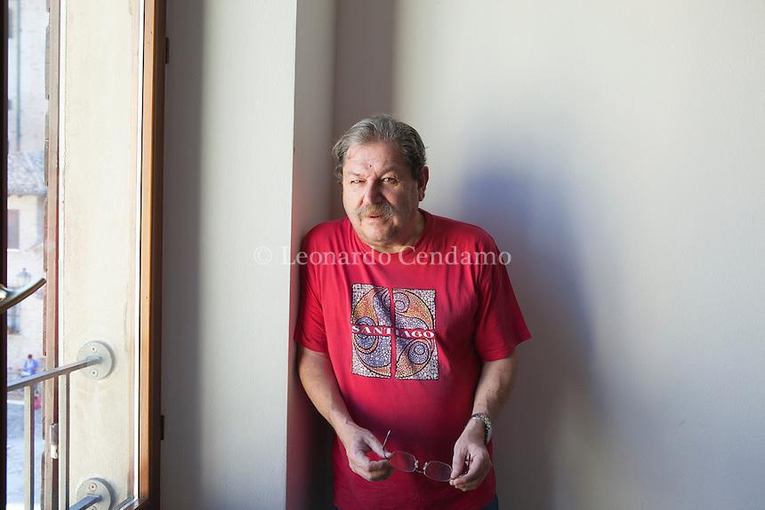 Paco Ignacio Taibo II, pseudonimo di Francisco Ignacio Taibo Mahojo è uno scrittore, giornalista, saggista ed attivista spagnolo naturalizzato messicano. Risiede in Messico dal 1958, quando la sua famiglia scappò dalla dittatura di Francisco Franco. Mantova Festivaletteratura 2016. © Leonardo Cendamo