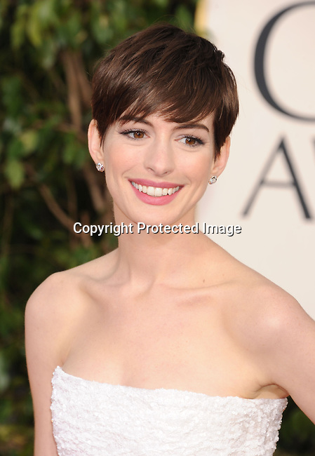 BEVERLY HILLS, CA - JANUARY 13: Anne Hathaway arrives at the 70th Annual Golden Globe Awards held at The Beverly Hilton Hotel on January 13, 2013 in Beverly Hills, California.