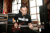 MARK TREMONTI, ALTER BRIDGE, LOCATION, 2013, JUSTIN BORUCKI