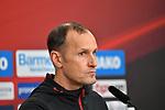 12.01.2018, BayArena, Leverkusen , GER, 1.FBL., Bayer 04 Leverkusen vs. FC Bayern M&uuml;nchen<br /> im Bild / picture shows: <br /> Pressekonferenz (PK) nach dem Spiel,  Heiko Herrlich Trainer (Bayer Leverkusen),<br /> <br /> <br /> Foto &copy; nordphoto / Meuter