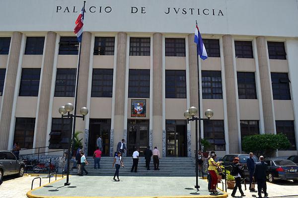 Vista del Palacio de Justicia de Ciudad Nueva hoy, jueves 21 de julio de 2011, en Santo Domingo, (República Dominicana), donde se encuentra la Fiscalía del Distrito nacional, el Fiscal del Distrito, Alejandro Moscoso Segarra, los juzgado de Atención Permanente, los juzgados de la Instrucción, los tribunales colegiados, de primera instancia, y las salas penales..Foto : © Roberto Guzman