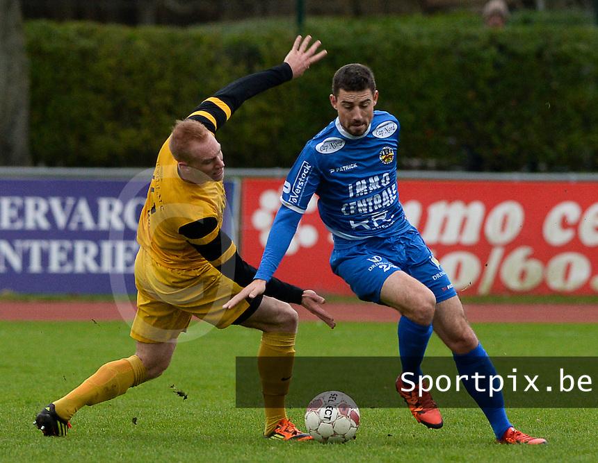 R Knokke FC - Pepingen : Steven Van Moeffaert (r) steelt de bal van Sebastien Lheureux (links <br /> Foto VDB / Bart Vandenbroucke