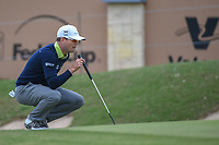 Zach Johnson (USA) lines up his putt on 18 during Round 2 of the Valero Texas Open, AT&amp;T Oaks Course, TPC San Antonio, San Antonio, Texas, USA. 4/20/2018.<br /> Picture: Golffile | Ken Murray<br /> <br /> <br /> All photo usage must carry mandatory copyright credit (&copy; Golffile | Ken Murray)