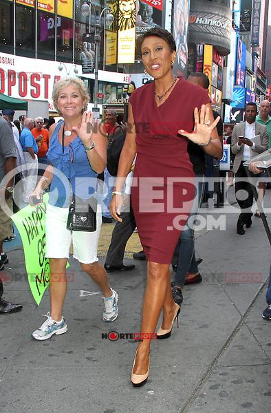 NEW YORK, NY - AUGUST 21, 2012: Robin Roberts host of Good Morning America in New York City. © RW/MediaPunch Inc. /NortePhoto.com<br /> <br /> **SOLO*VENTA*EN*MEXICO**<br /> **CREDITO*OBLIGATORIO**<br /> *No*Venta*A*Terceros*<br /> *No*Sale*So*third*<br /> *** No Se Permite Hacer Archivo**<br /> *No*Sale*So*third*
