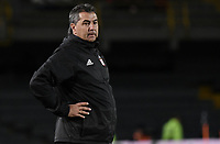 BOGOTA - COLOMBIA, 23-01-2018: Jorge Da Silva técnico del América de Cali gesticula durante partido con Deportivo Cali por el Torneo Fox Sports 2018 jugado en el estadio Nemesio Camacho El Campín de la ciudad de Bogotá. / Jorge Da Silva coach of America de Cali gestures during match against Deportivo Cali for the Fox Sports Tournament 2018  played at the Nemesio Camacho El Campin Stadium in Bogota city. Photo: VizzorImage / Gabriel Aponte / Staff.