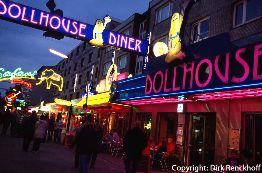 Dollhouse auf der Großen Freiheit inHamburg-St. Pauli, Deutschland