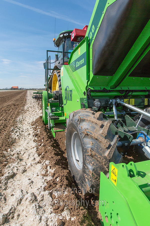 Cultivating & planting Maris Piper potatoes with a AVR Ceres four row planter and John Deere 8360T tractor with autosteer - Lincolnshire, April