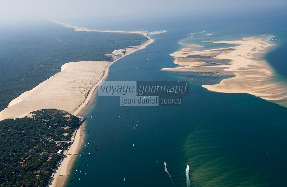 Europe/France/Aquitaine/33/Gironde/Bassin d'Arcachon: la Dune du Pyla,: les passes du Bassin d'Arcachon (Entrée), avec le Banc d'Arguin - réserve naturelle-Vue aérienne