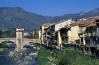 Europe/France/Provence-Alpes-Côtes d'Azur/06/Alpes-Maritimes/Arrière Pays Niçois/Sospel : Détail du Pont Vieux et des bords de la Bevera