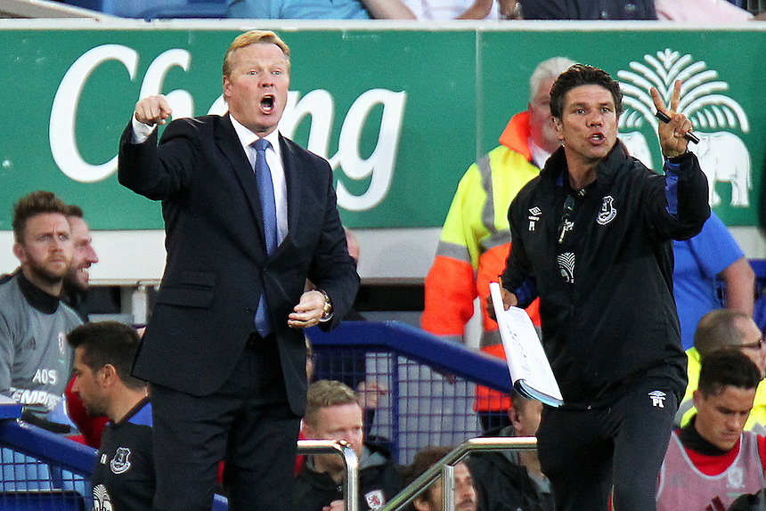Everton manager Ronald Koeman shouts instructions to his team from the dug-out<br /> <br /> Photographer Rich Linley/CameraSport<br /> <br /> The Premier League - Everton v Middlesbrough - Saturday 17th September 2016 - Goodison Park - Liverpool<br /> <br /> World Copyright &copy; 2016 CameraSport. All rights reserved. 43 Linden Ave. Countesthorpe. Leicester. England. LE8 5PG - Tel: +44 (0) 116 277 4147 - admin@camerasport.com - www.camerasport.com